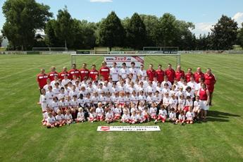 Team des Fußballvereins Victoria Ubstadt, dass die Michael Koch GmbH sponsert.